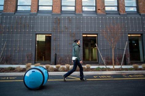 Viaggiare senza pesi: arriva Gita, il robot valigia