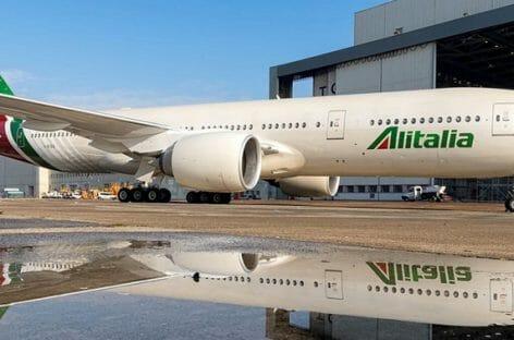 Alitalia, il piano Leogrande: due newco e 92 aerei