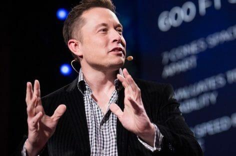 Due turisti sulla luna nel 2018: li porterà Elon Musk