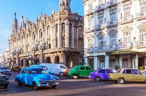 Cuba abolisce la doppia valuta: addio alla moneta dei turisti