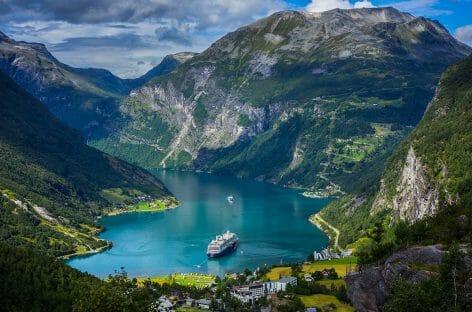 Crociere: la Norvegia pensa a un tunnel sotto i fiordi