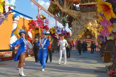 Torna il Gardaland Magic Circus con clown e giocolieri