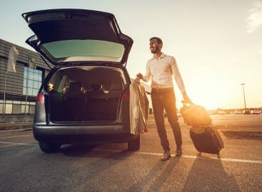 L'era delle auto a guida autonoma: Hertz si allea con Aptiv