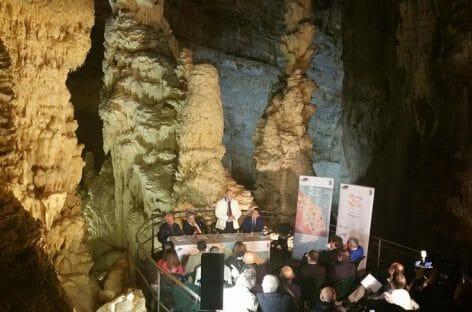 Grand Tour delle Marche al via dalle Grotte di Frasassi