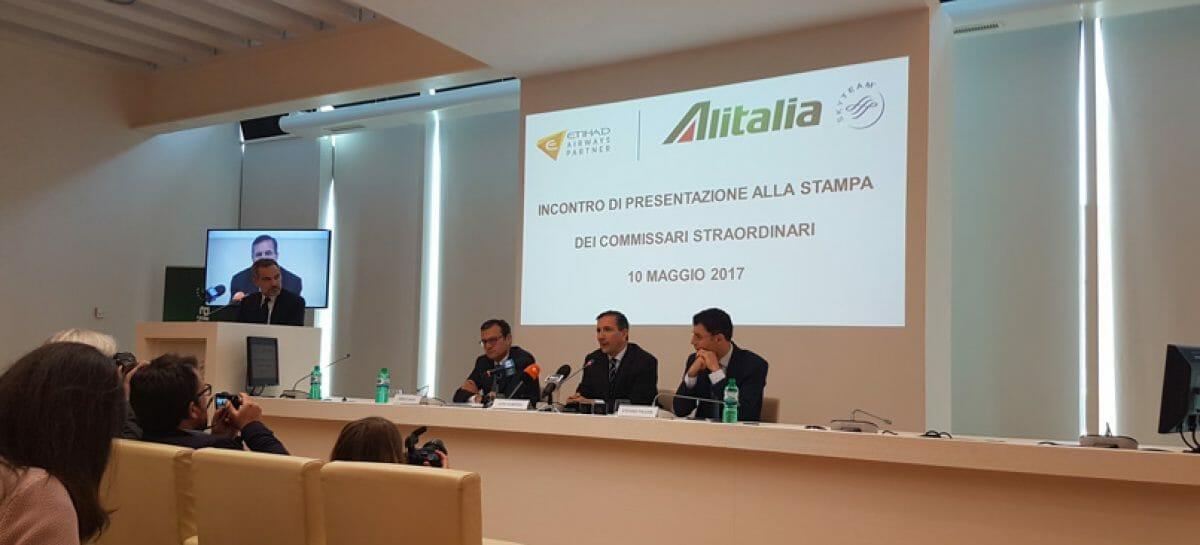 Alitalia, il Mise difende Laghi. E la gara si fa in quattro