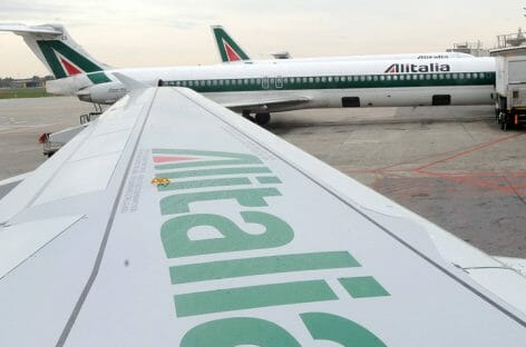 Partita a tre per Alitalia: rispunta Wizz Air