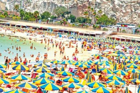 Mediterraneo conteso, l'estate cresce a due cifre