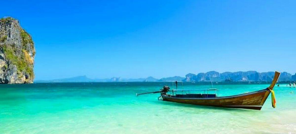 Phuket riapre ai turisti vaccinati e toglie la quarantena