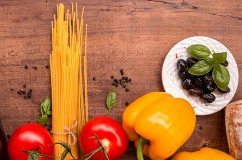 Italia a tavola, un turista su quattro sceglie l'enogastronomia