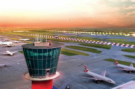 Regno Unito, via libera ai viaggi all'estero dal 3 dicembre