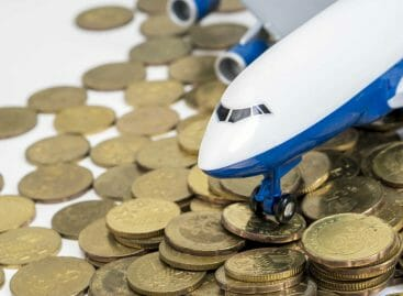 Ecotassa sui voli in Francia, rincari fino a 18 euro a biglietto