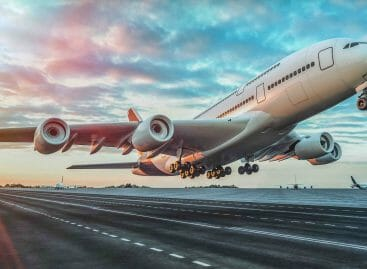 Anche l'Italia studia l'ecotassa sui voli