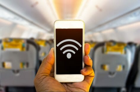 Arriva il wifi a bordo dei voli Vueling