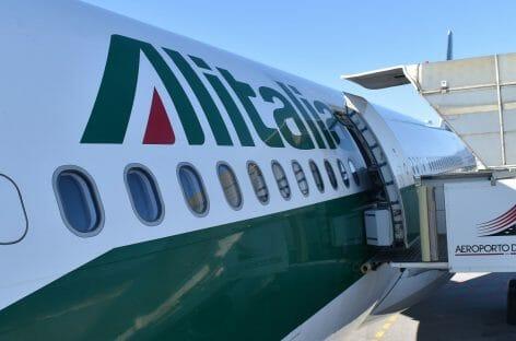 Alitalia, stipendi a metà. <br>E il 18 giugno si sciopera