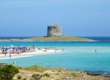 Overtourism in Sardegna, numero chiuso alla spiaggia della Pelosa