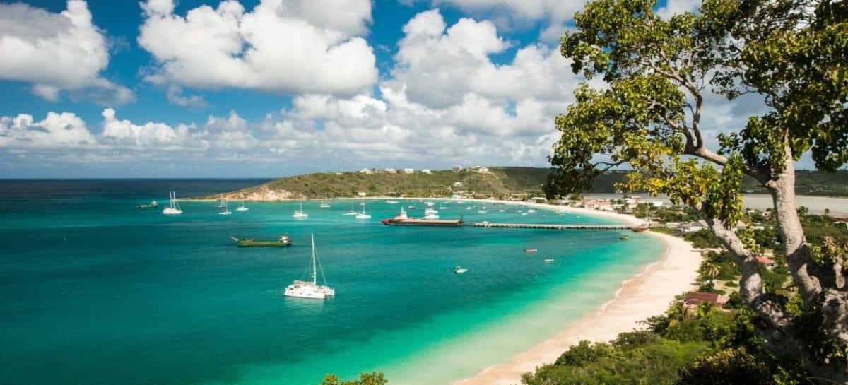 Anguilla riapre ai viaggiatori completamente vaccinati