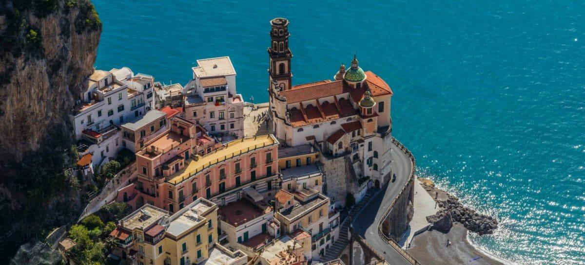 Un'italianissima estate: <br>la fotografia di Federalberghi