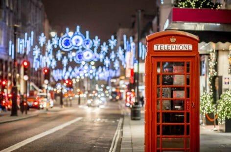 Lockdown a Londra, frenata sullo shopping natalizio