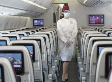 Qatar Airways opera il primo volo con passeggeri tutti vaccinati