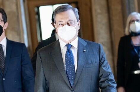 Dal wedding ai parchi: <br>Draghi anticipa le riaperture