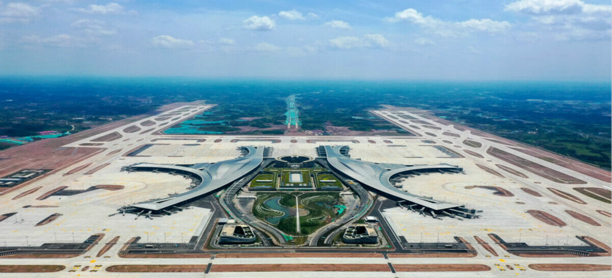 Cina, l'era dei mega aeroporti: apre il Chengdu Tianfu International