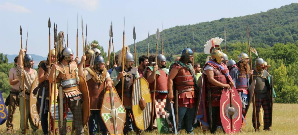 Dante e i legionari romani protagonisti del Grand Tour delle Marche