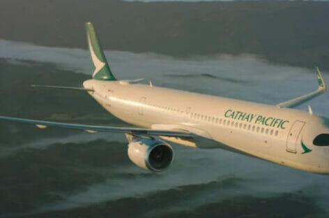 Cathay Pacific festeggia 75 anni con un evento fotografico virtuale