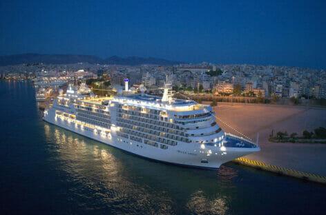 Crociere di lusso, Silversea battezza Silver Moon in Grecia