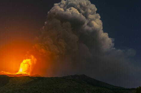Eruzione alle Canarie, evacuate oltre 5mila persone